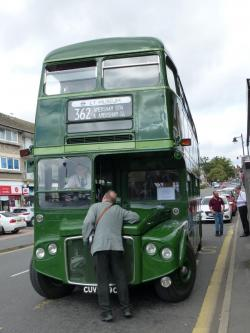 FRIENDS RUN AMERSHAM BUSES